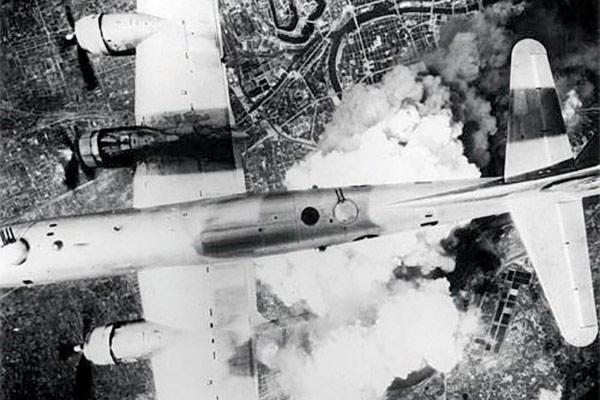 B-29 DroppingFirebombs on Tokyo